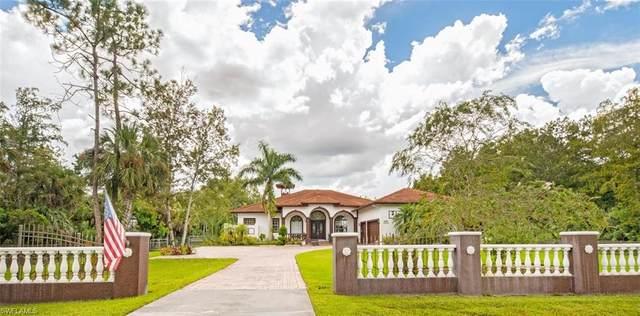 360 37th Ave NE, Naples, FL 34120 (#220054495) :: The Dellatorè Real Estate Group