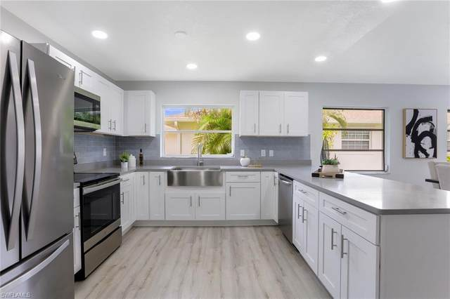 699 94th Ave N, Naples, FL 34108 (#220054846) :: Equity Realty