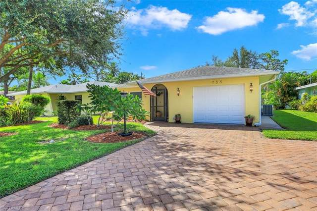 738 99th Ave N, Naples, FL 34108 (#220055560) :: The Dellatorè Real Estate Group