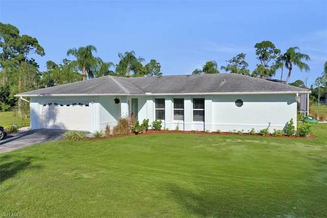 2030 Oakes Blvd, Naples, FL 34119 (MLS #220055932) :: Dalton Wade Real Estate Group