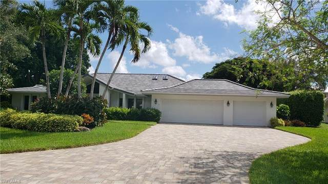803 Knollwood Ct, Naples, FL 34108 (#220056592) :: The Dellatorè Real Estate Group