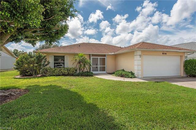 806 Charlemagne Blvd, Naples, FL 34112 (MLS #220056736) :: Florida Homestar Team