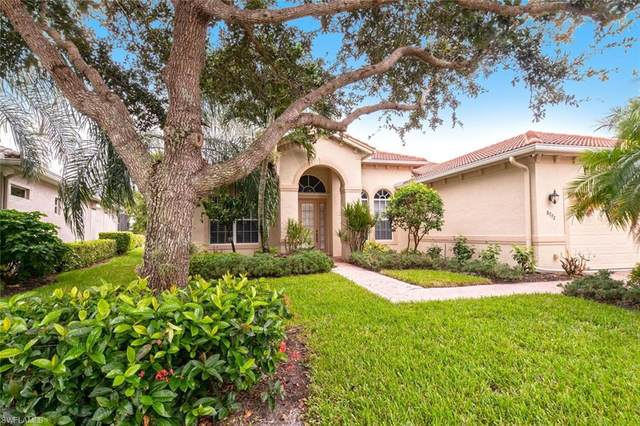 8772 Mustang Island Cir, Naples, FL 34113 (#220057088) :: The Dellatorè Real Estate Group