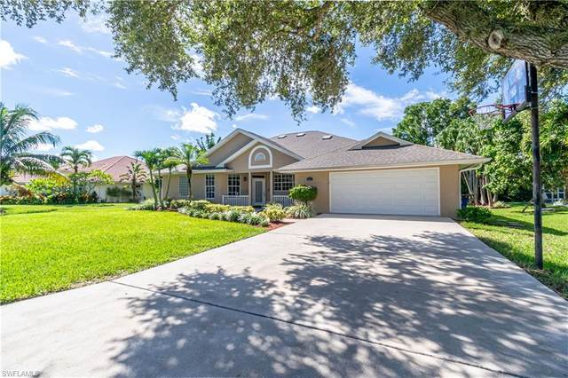 6715 Willow Lake Cir, Fort Myers, FL 33966 (#220057694) :: Equity Realty