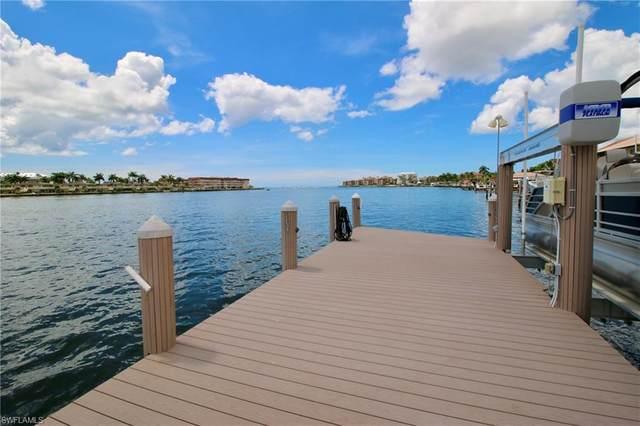 30 Pelican St, Naples, FL 34113 (MLS #220057997) :: Clausen Properties, Inc.