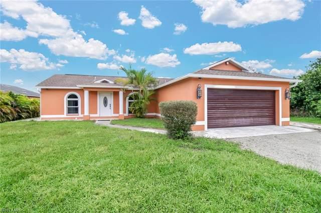 670 14th St NE, Naples, FL 34120 (#220059017) :: The Dellatorè Real Estate Group