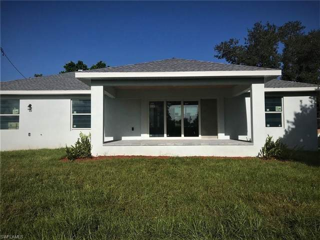 831 Palmetto Dr NE, Port Charlotte, FL 33952 (#220059500) :: Equity Realty