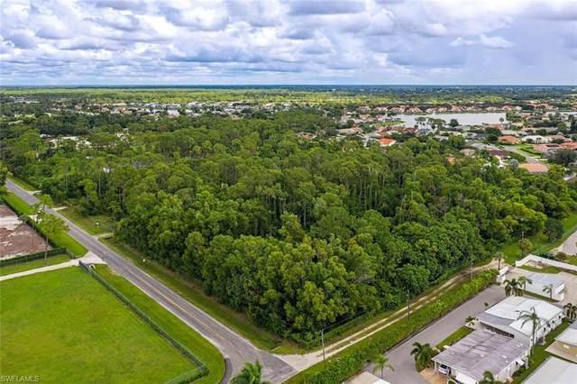 685 Saint Clair Shores Rd, Naples, FL 34104 (#220059511) :: The Dellatorè Real Estate Group