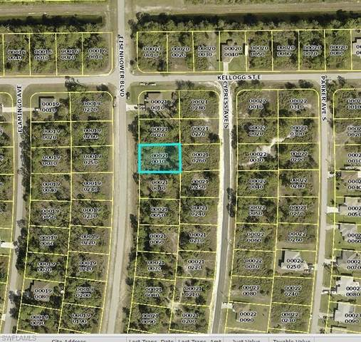 509 Eisenhower Blvd, Lehigh Acres, FL 33974 (#220059657) :: Jason Schiering, PA