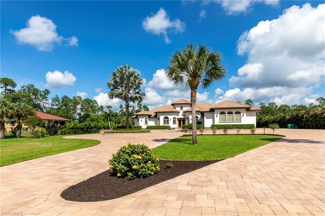 294 Logan Blvd S, Naples, FL 34119 (MLS #220059675) :: Palm Paradise Real Estate
