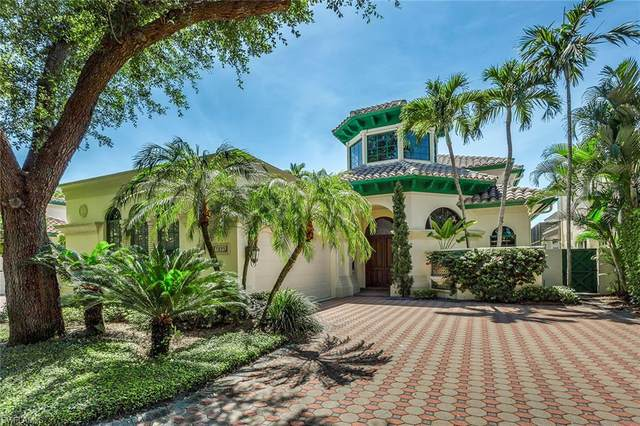 7855 Vizcaya Way, Naples, FL 34108 (MLS #220059958) :: Palm Paradise Real Estate