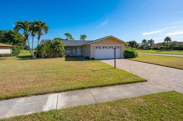 4301 Beechwood Lake Dr, Naples, FL 34112 (#220060193) :: The Dellatorè Real Estate Group
