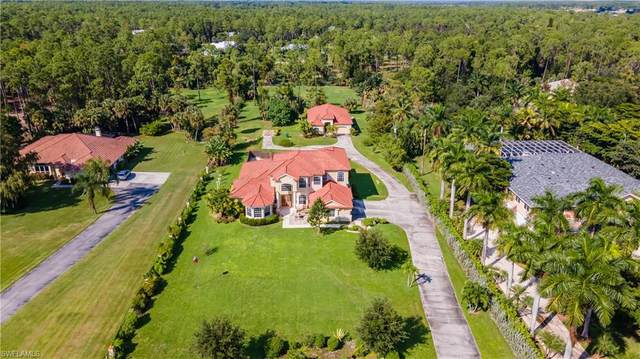5811 Shady Oaks Ln, Naples, FL 34119 (#220061406) :: The Dellatorè Real Estate Group