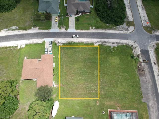230 SW 25th Ave, Cape Coral, FL 33991 (MLS #220061500) :: RE/MAX Realty Group