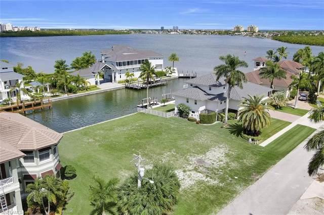 460 Renard Ct, Marco Island, FL 34145 (MLS #220061626) :: Eric Grainger | Engel & Volkers