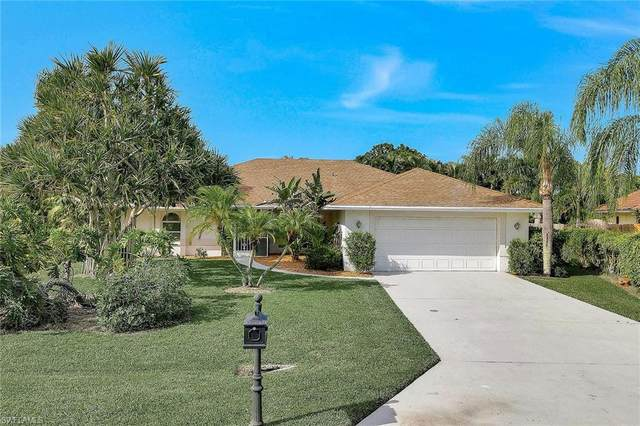 1010 Moon Lake Dr, Naples, FL 34104 (MLS #220062522) :: The Naples Beach And Homes Team/MVP Realty