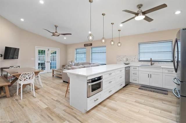 774 98TH Ave N, Naples, FL 34108 (MLS #220065510) :: Kris Asquith's Diamond Coastal Group