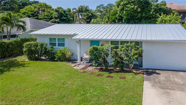 5119 Cortina Ct, Naples, FL 34103 (MLS #220065929) :: Florida Homestar Team