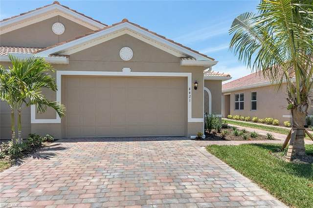 3017 Royal Gardens Ave, Fort Myers, FL 33916 (MLS #220066109) :: Kris Asquith's Diamond Coastal Group