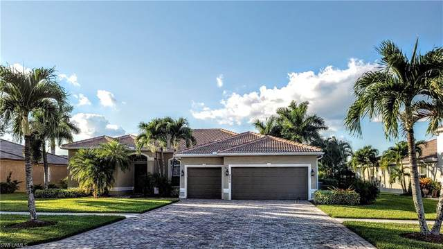 2156 Grove Dr, Naples, FL 34120 (#220066623) :: The Dellatorè Real Estate Group
