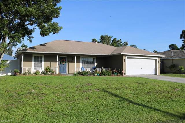 17557 Phlox Dr, Fort Myers, FL 33967 (MLS #220066633) :: Kris Asquith's Diamond Coastal Group