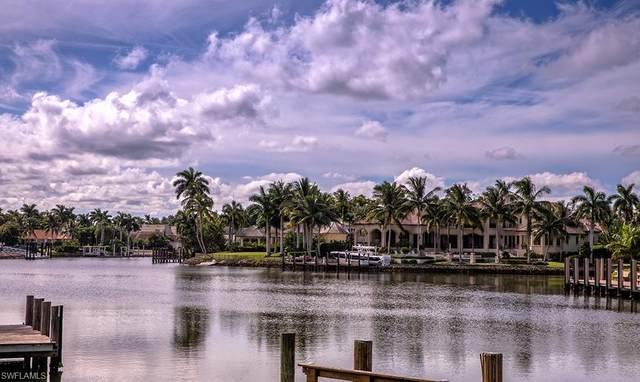 3030 Fort Charles Dr, Naples, FL 34102 (MLS #220067037) :: Avantgarde