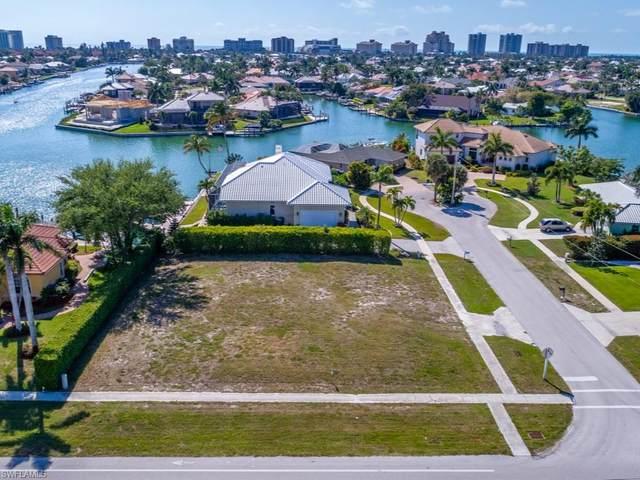1291 Lily Ct, Marco Island, FL 34145 (#220067046) :: The Dellatorè Real Estate Group