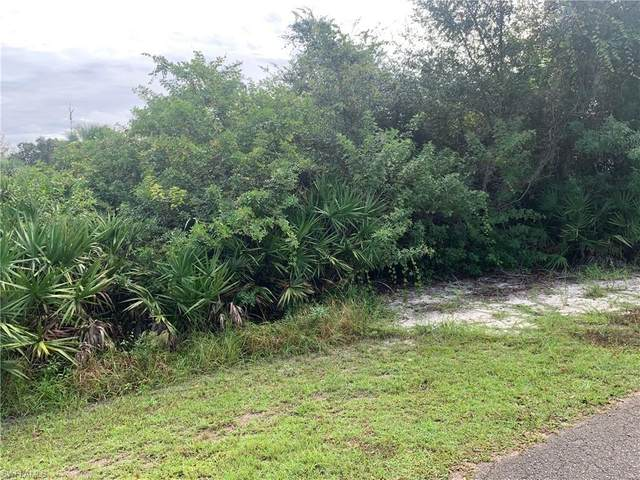 608 Lincoln Ave, Lehigh Acres, FL 33972 (MLS #220067658) :: Domain Realty