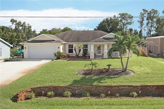 8476 Cypress Dr N, Fort Myers, FL 33967 (#220067796) :: The Michelle Thomas Team