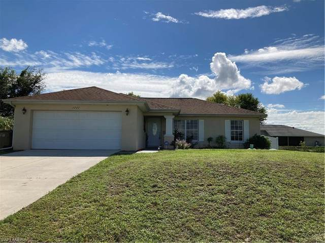 1222 NE 11 St, Cape Coral, FL 33909 (MLS #220067949) :: Clausen Properties, Inc.