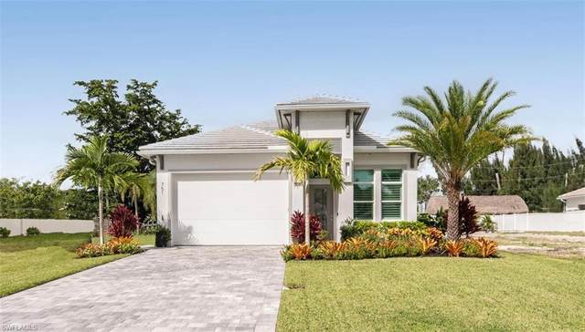 751 110th Avenue North N, Naples, FL 34108 (MLS #220069349) :: Kris Asquith's Diamond Coastal Group