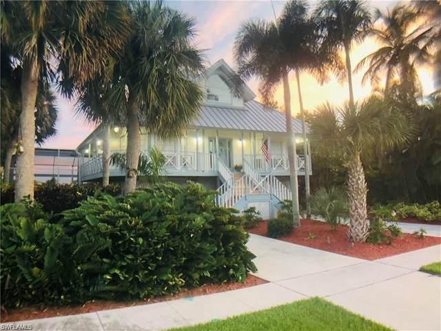 305 Colonial Ave, Marco Island, FL 34145 (MLS #220069375) :: Avantgarde