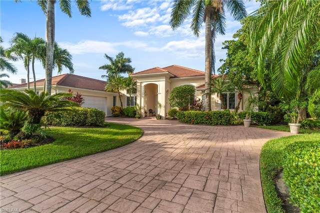751 Saint Georges Ct, Naples, FL 34110 (MLS #220070069) :: The Naples Beach And Homes Team/MVP Realty