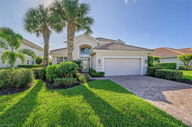 11820 Bramble Ct, Naples, FL 34120 (MLS #220070601) :: The Naples Beach And Homes Team/MVP Realty
