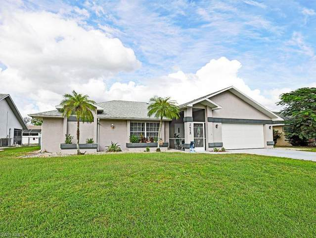 2514 6th St W, Lehigh Acres, FL 33971 (#220071564) :: Equity Realty