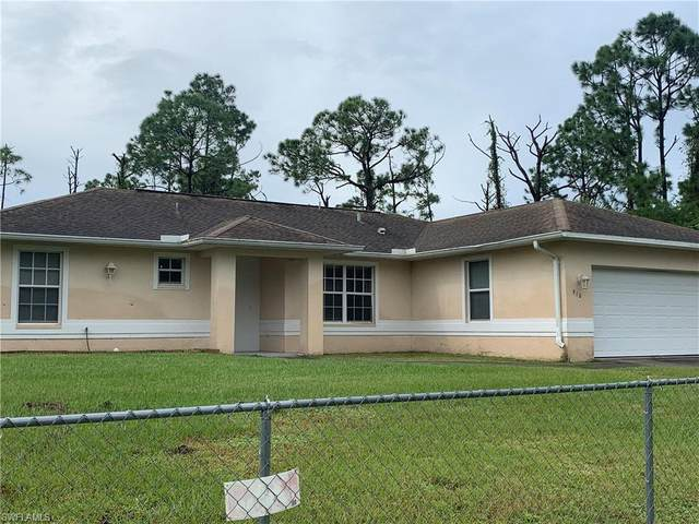 910 Maywood Ave S, Lehigh Acres, FL 33974 (MLS #220072475) :: RE/MAX Realty Group