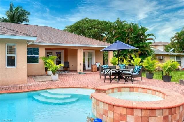 1340 Center Ln, Naples, FL 34110 (#220072754) :: The Dellatorè Real Estate Group