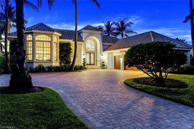 2580 Half Moon Walk, Naples, FL 34102 (MLS #220072820) :: The Naples Beach And Homes Team/MVP Realty