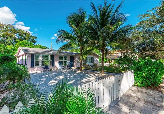 1129 8th Ter N, Naples, FL 34102 (MLS #220073421) :: The Naples Beach And Homes Team/MVP Realty