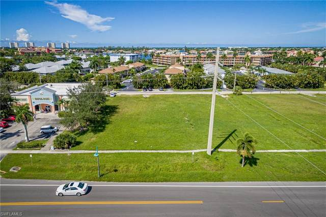 760 Bald Eagle Dr, Marco Island, FL 34145 (#220073552) :: The Dellatorè Real Estate Group