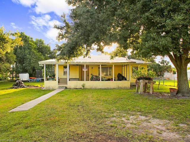 133 2nd St, Naples, FL 34113 (#220073921) :: Equity Realty