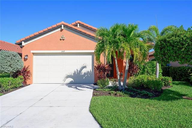 1537 Parnell Ct, Naples, FL 34113 (#220074941) :: We Talk SWFL