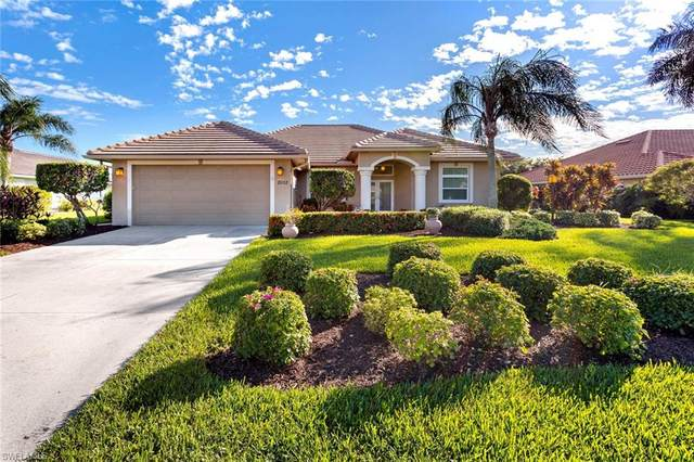 2032 Castle Garden Ln, Naples, FL 34110 (MLS #220074998) :: The Naples Beach And Homes Team/MVP Realty