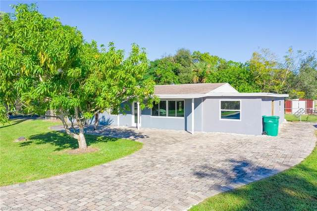3915 Lotus Dr, Naples, FL 34104 (MLS #220075779) :: The Naples Beach And Homes Team/MVP Realty