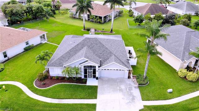 4541 Varsity Cir, Lehigh Acres, FL 33971 (#220075930) :: The Dellatorè Real Estate Group