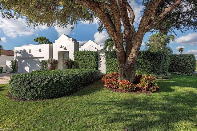 1377 Lake Shore Dr, Naples, FL 34103 (MLS #220076300) :: Medway Realty