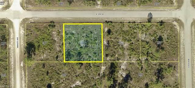 4402 E 5th St, Lehigh Acres, FL 33972 (MLS #220077907) :: RE/MAX Realty Group
