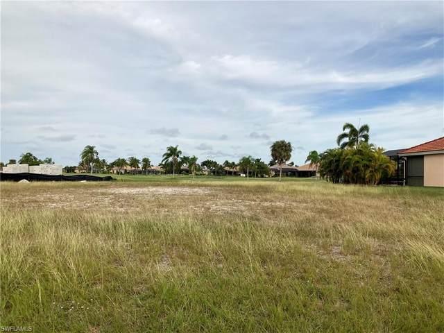 11690 Royal Tee Cir, Cape Coral, FL 33991 (MLS #220081291) :: Avantgarde