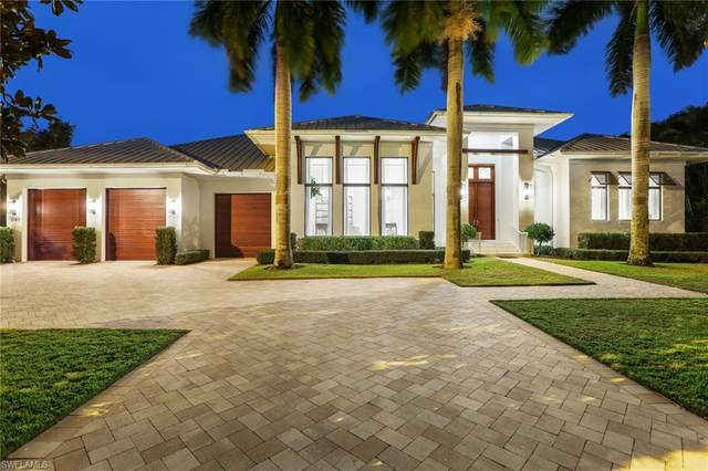 1140 Oleander Dr, Naples, FL 34102 (MLS #220082494) :: The Naples Beach And Homes Team/MVP Realty
