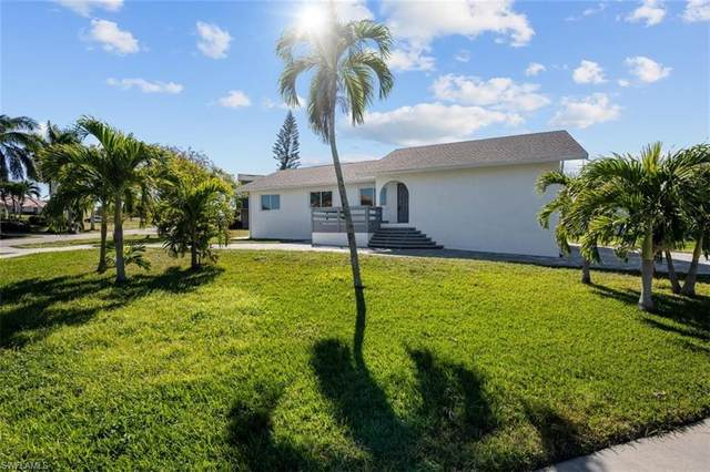1897 N Bahama Ave, Marco Island, FL 34145 (#221001580) :: The Dellatorè Real Estate Group
